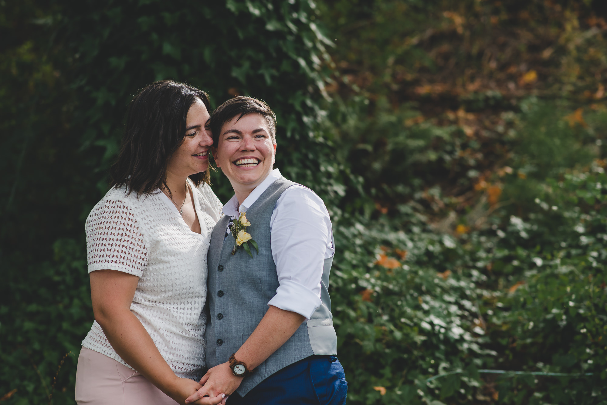 How to Pose LGBTQ Couples